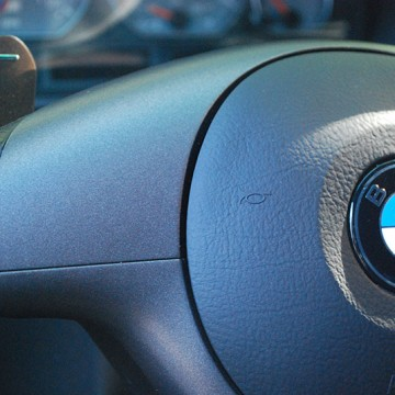 DIY: M3 Steering Wheel Trim Vinyl Wrap