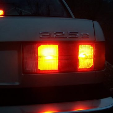 FLASHBACK: E30 rear fog light brake light modification.