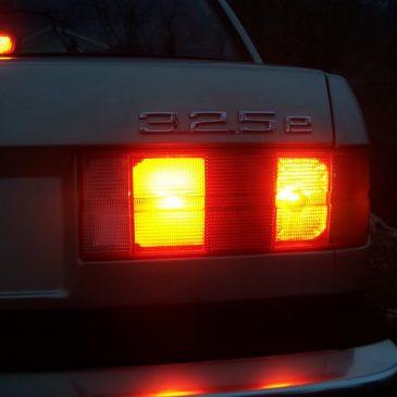 FLASHBACK: E30 rear fog light brake light modification.